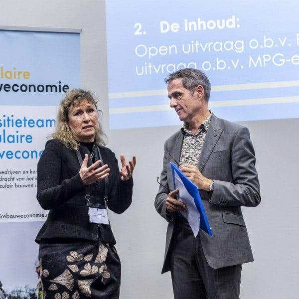 Tijdens de Nationale Conferentie Circulaire Economie op 3 februari organiseerde het Transitieteam een inleiding door voorzitter Elphi Nelissen en een debat onder leiding van Fred Schoorl (BNA).