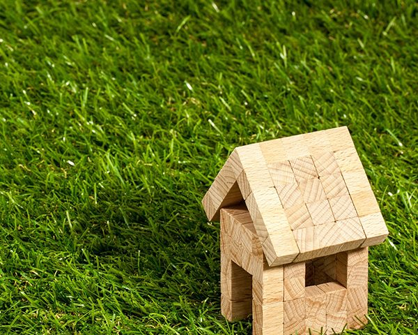 houten gebouwtje ter illustratie bij circulaire verdienmodellen