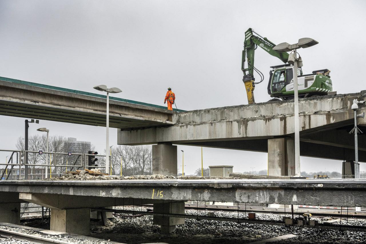 UIthijsen-liggers-circulair viaduct